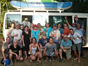The entire group on the Costa Ric Rios expedition